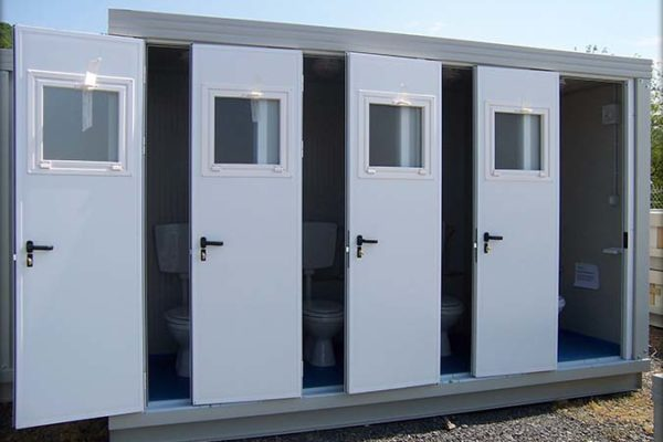 bungalows-sanitaires-top-modules-ensemble-toilettes